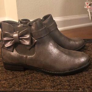 Girl's metallic booties